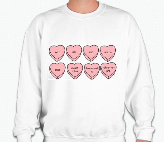 13. Свитшот с сердечками-конфетками подарок, сарказм