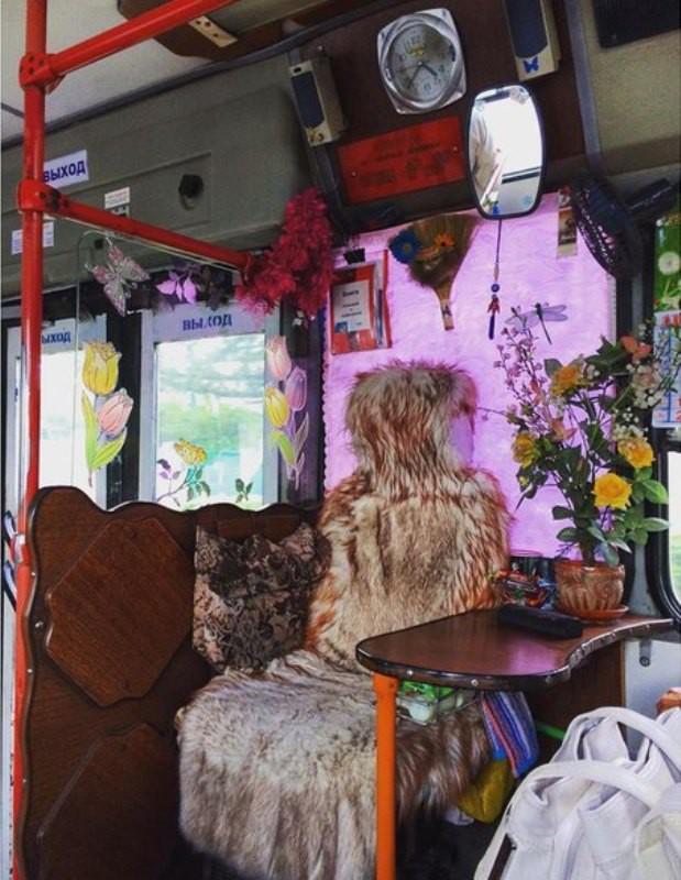 Секс с кондуктором в наполненном автобусе смотреть онлайн