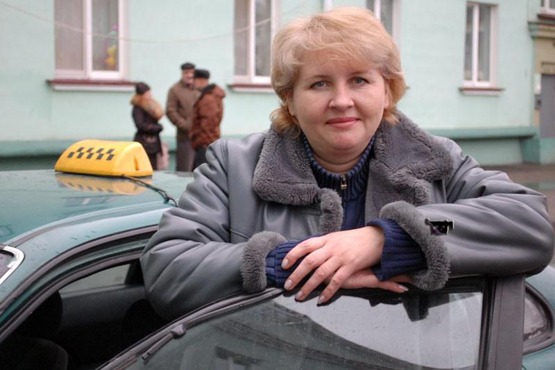 5. Женщина-таксист женщины, красавицы, равноправие