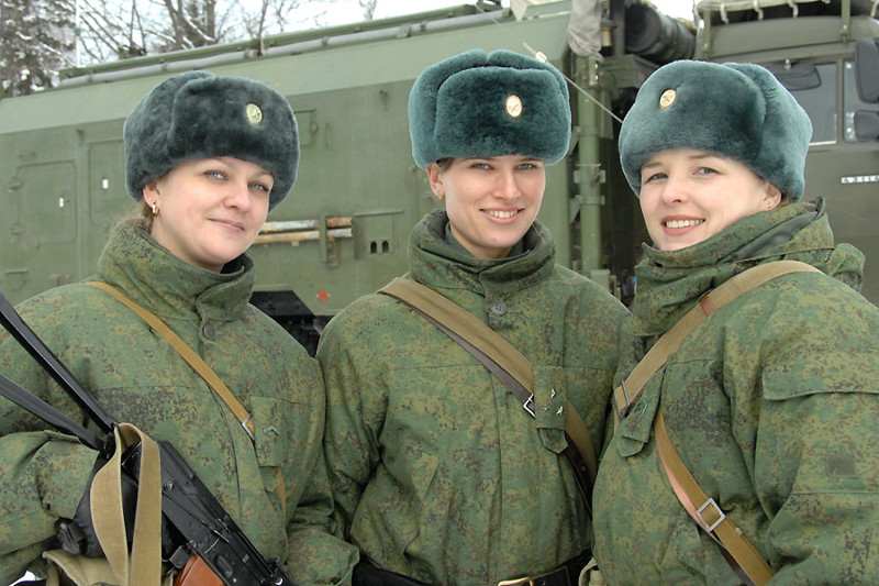 1. Женщина-военный женщины, красавицы, равноправие