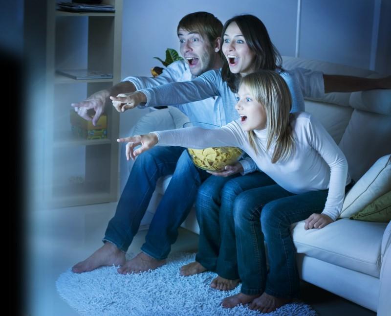 6. Мы смотрели телевизор всей семьей жизнь, интернет, реалия
