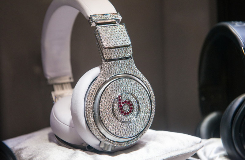 7. Наушники Beats by Dre. богачи, деньги, миллион