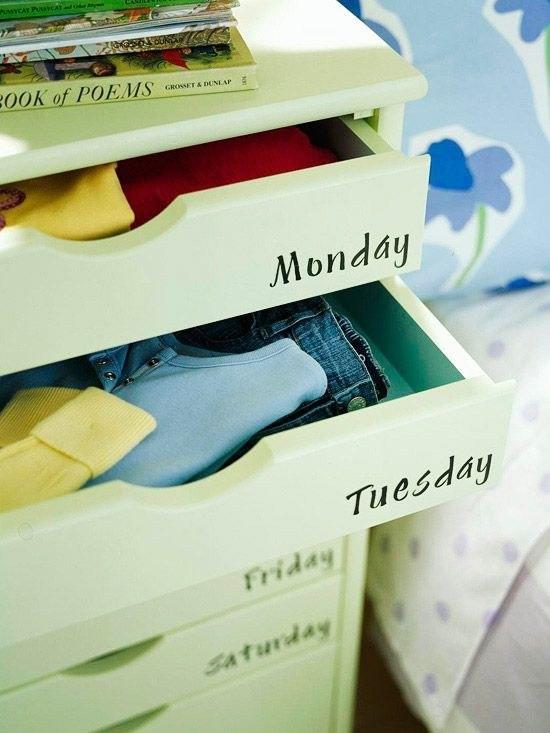 28. Ящики для одежды, с написанными днями недели и соответствующим образом заполненные, помогут сэкономить время утром. кухня, хранения