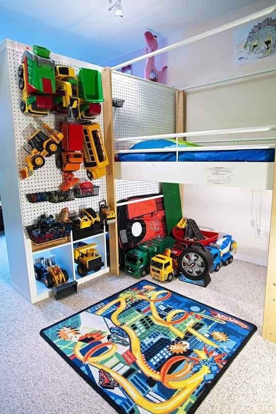 27. На перфорированной доске удобно хранить игрушки кухня, хранения