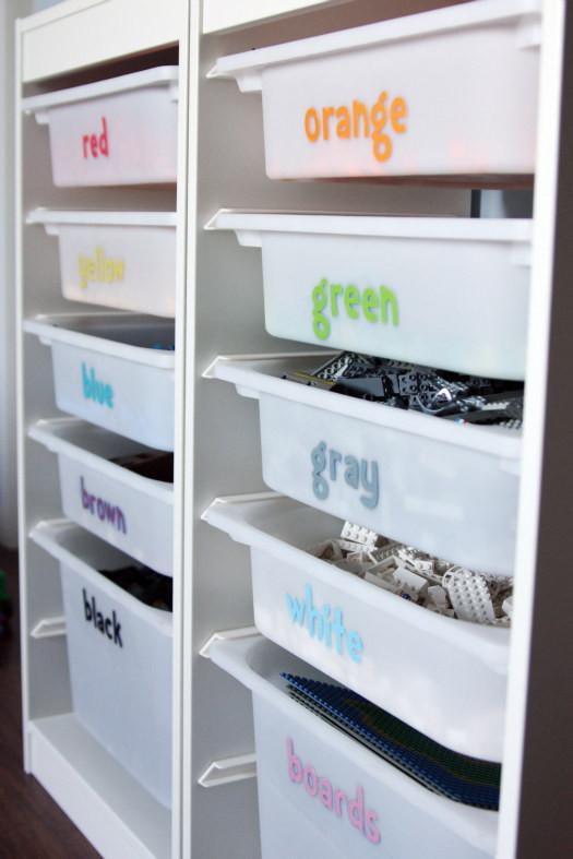 30. Разложите игрушки по цветам кухня, хранения