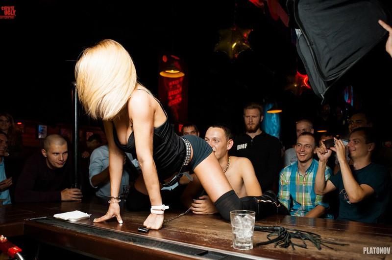 Самые развратные клубы москва фото ночных клубов без людей