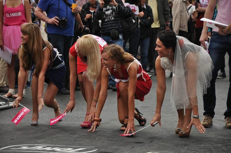 Проститутки пьяные девушки на высоких каблуках женщин миньета