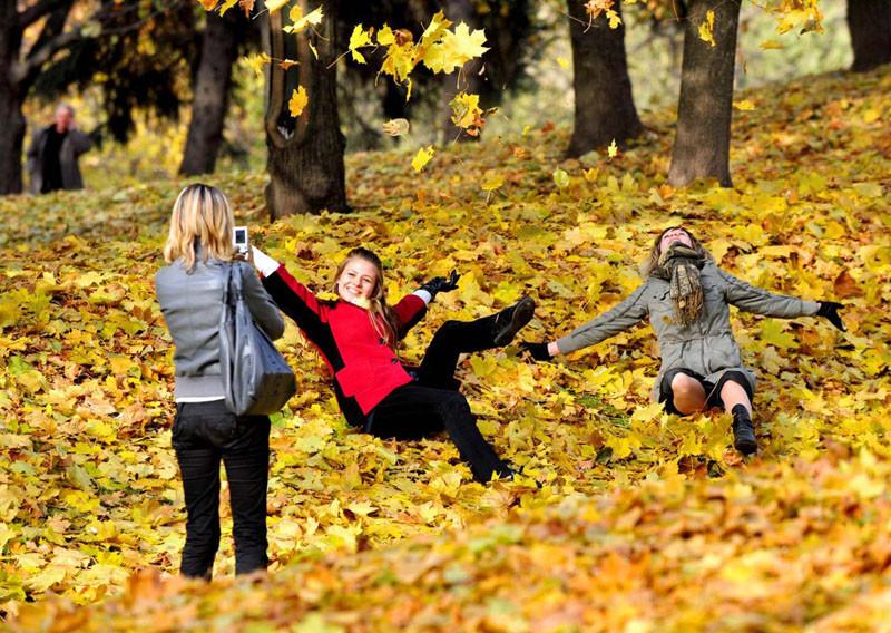 Девушки осень фото на аву