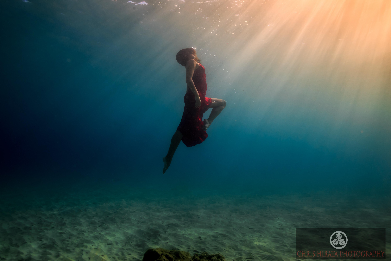 фото плывущего под водой человека пензенский портал