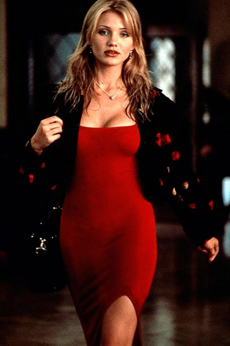 Сексапильные девушки в красном платье