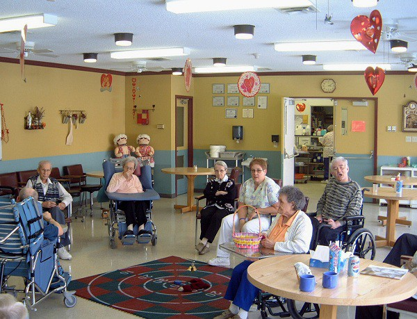 Дом для пожилых людей в г.луганск дом престарелых альцгеймер