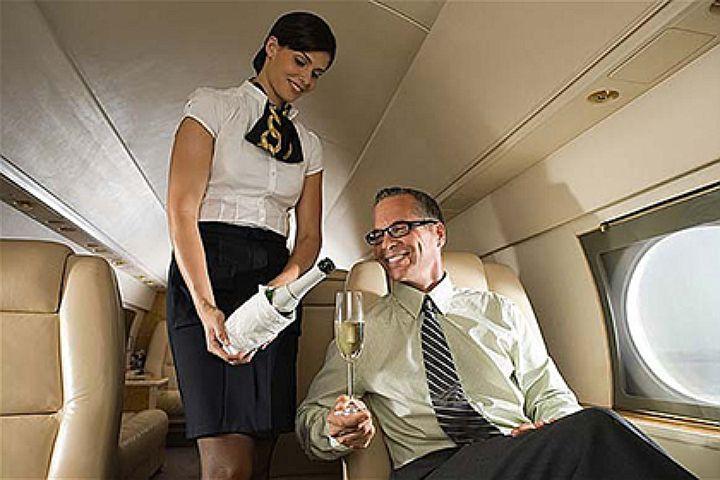 страстный секс стюардессы с пассажиром сегодня