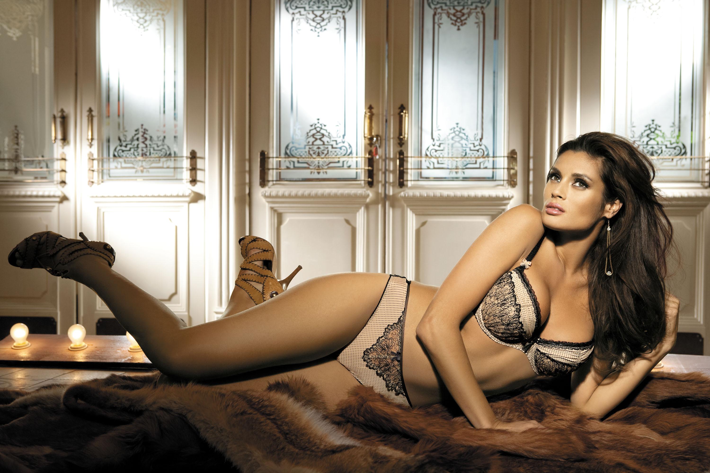 Sexiest lingerie ads