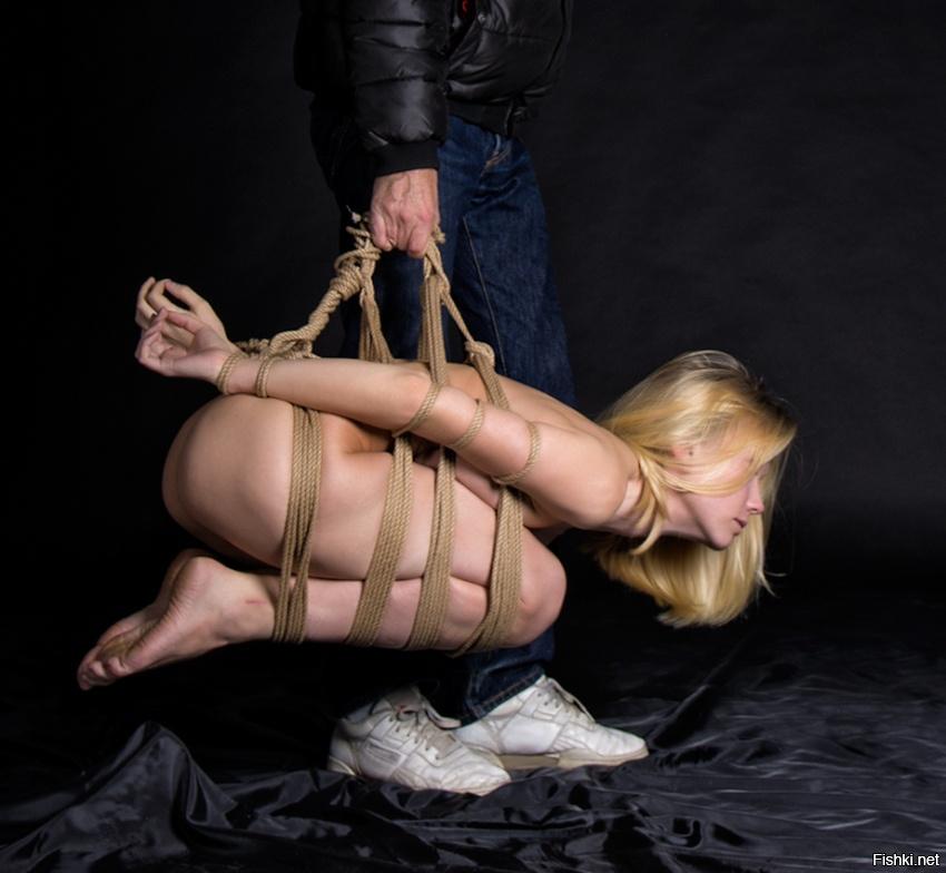 видео связывание девушки верёвкой