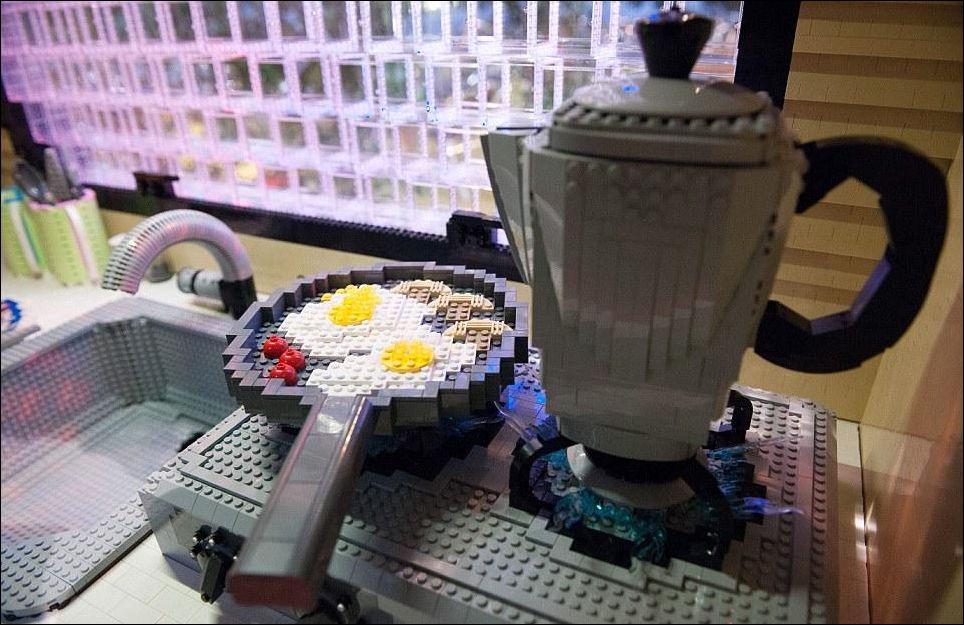 Лего дом в натуральну величину