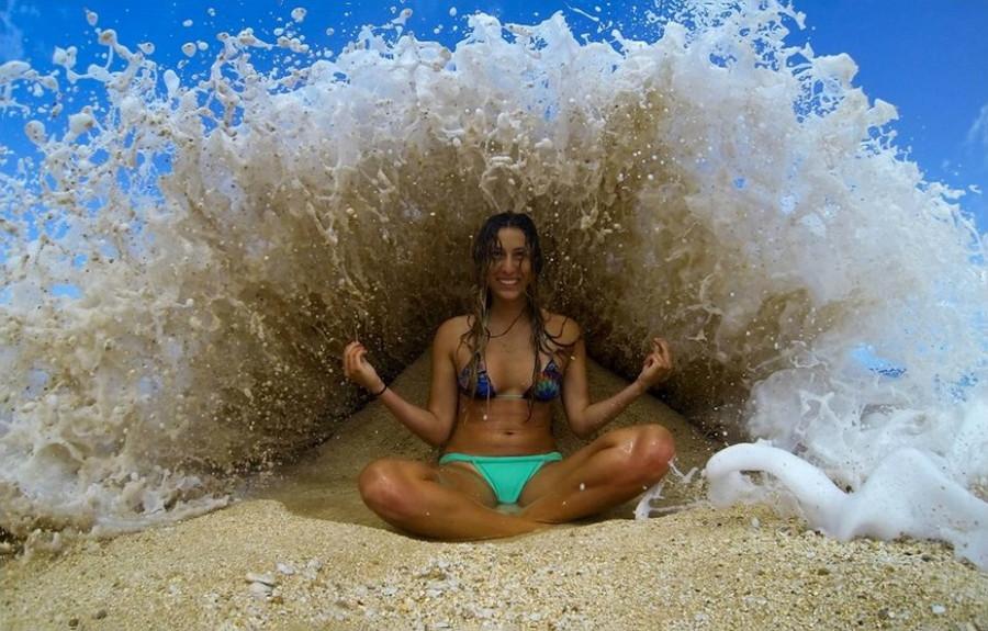 2. Волны, бьющие о берег. без фотошопа, удивительные фотографии