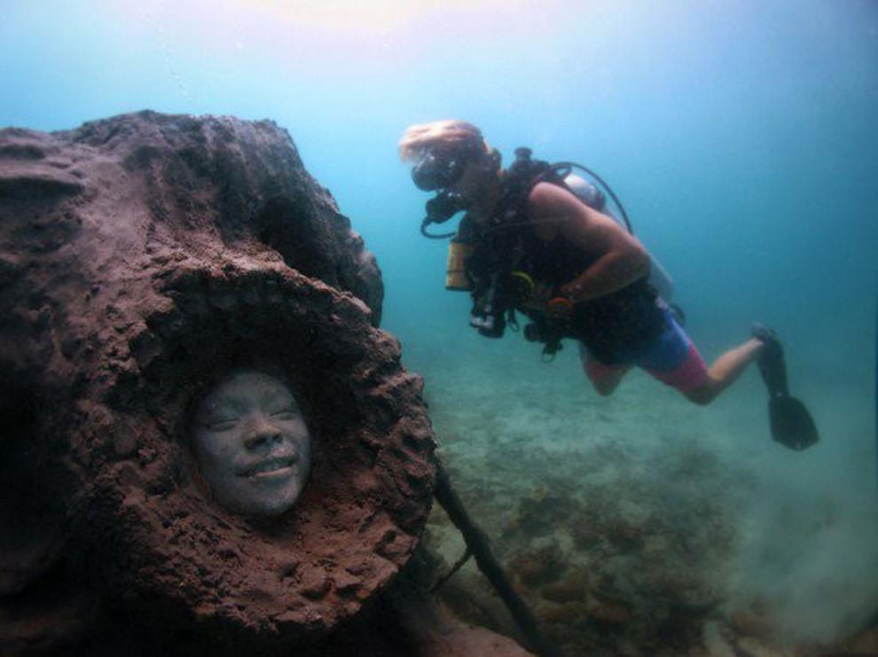 Красивые, но пугающие подводные скульптуры остров, риф, скульптура, таиланд