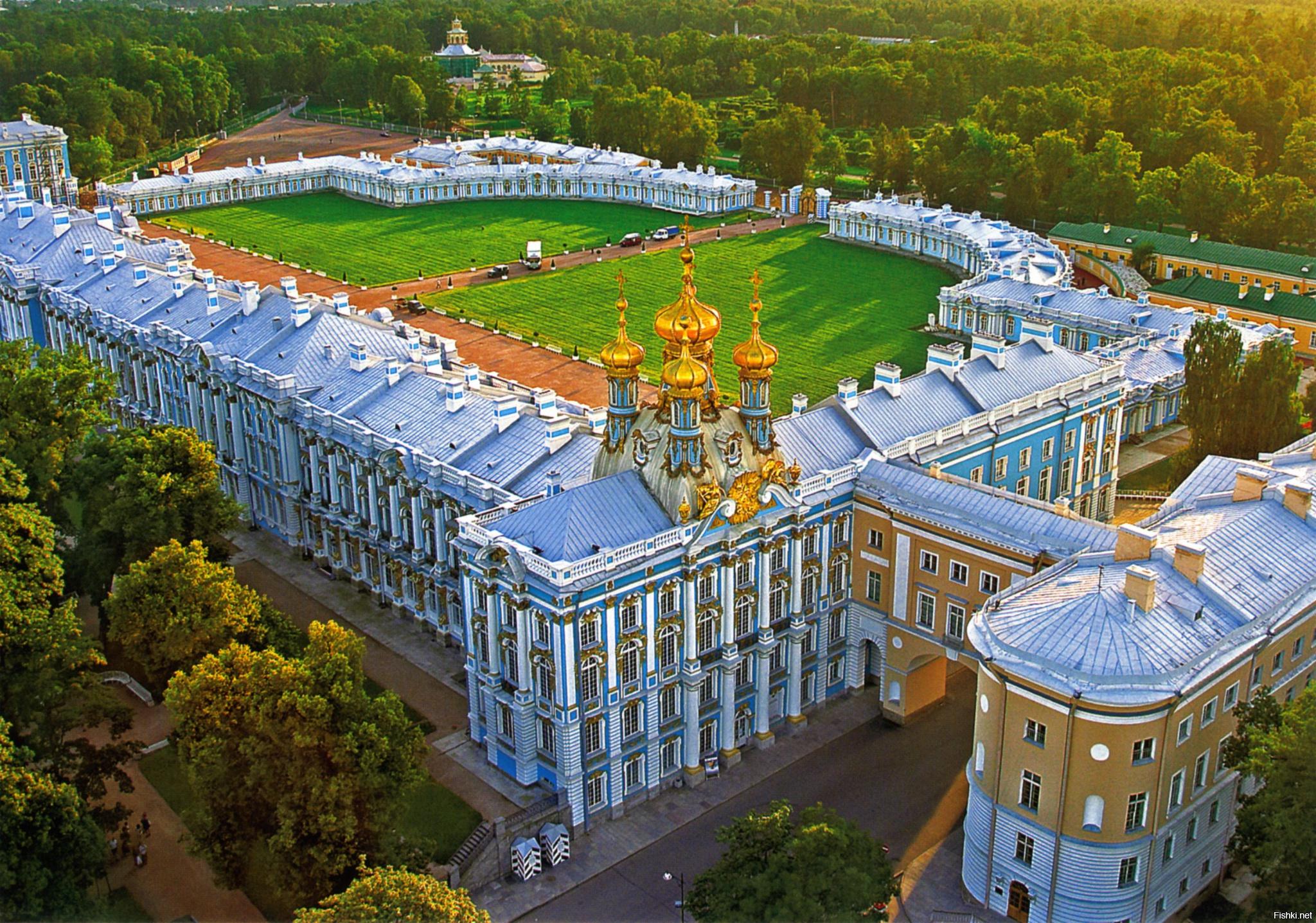 пушкинский дворец фото она более сложна
