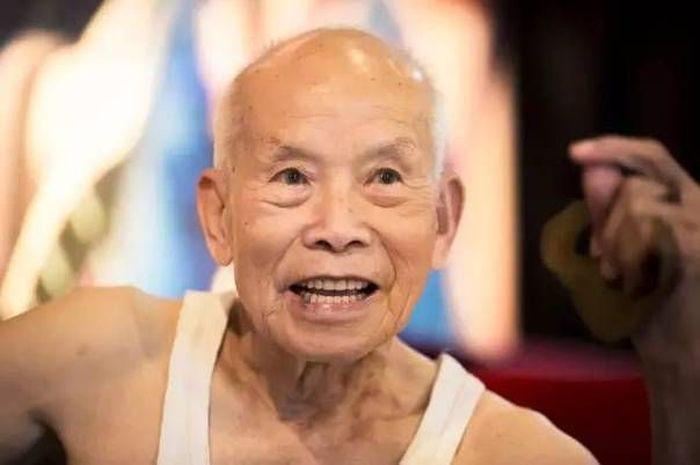 Хуй 60 летнего деда