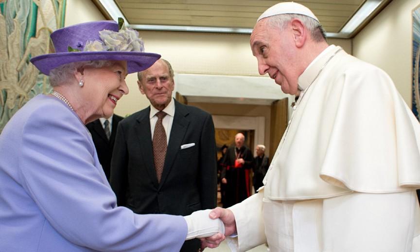 3. Папы приходят и уходят, а Королева - остаётся британия, королевская семья, светская хроника