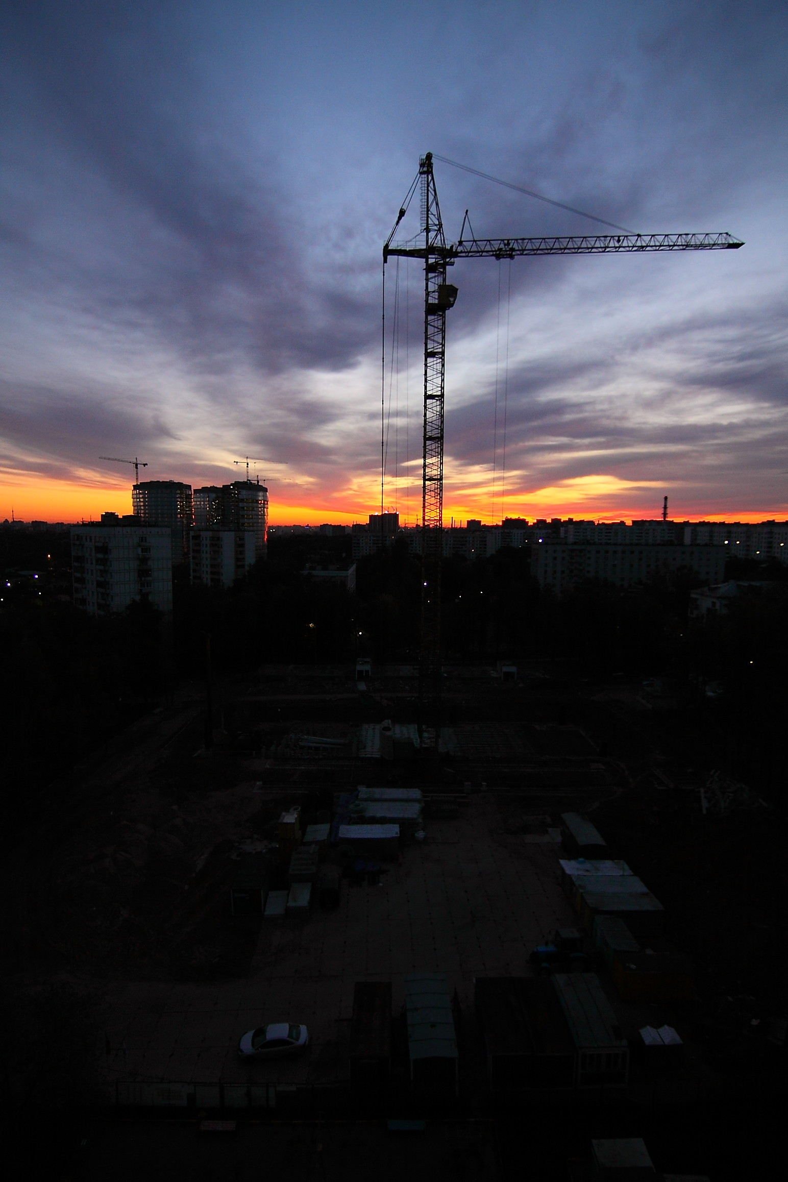 что фото строящихся высотных домов в омске отличие шпаги