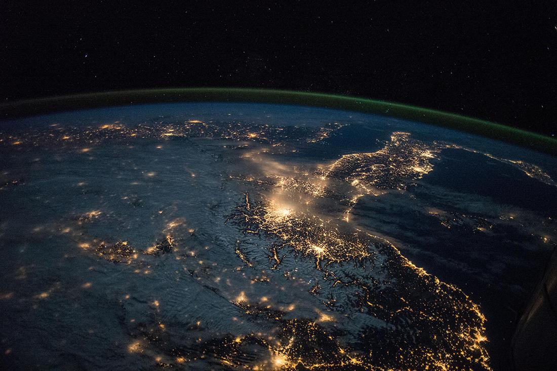 фото космоса с мкс разноцветные сиденья