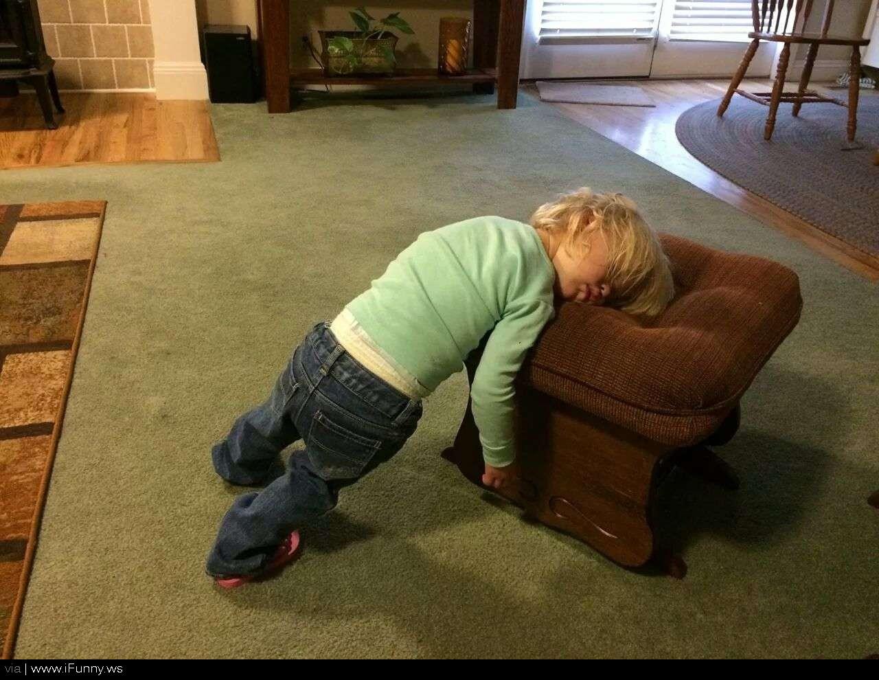 Картинка прикол уставший человек