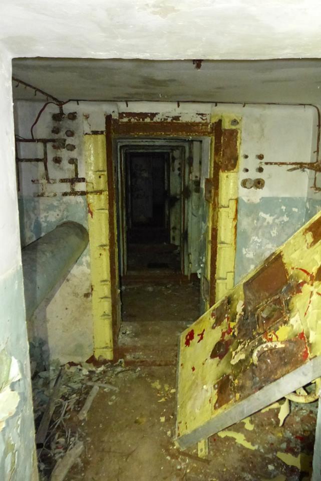Первая железная дверь ГДР, бункер, германия