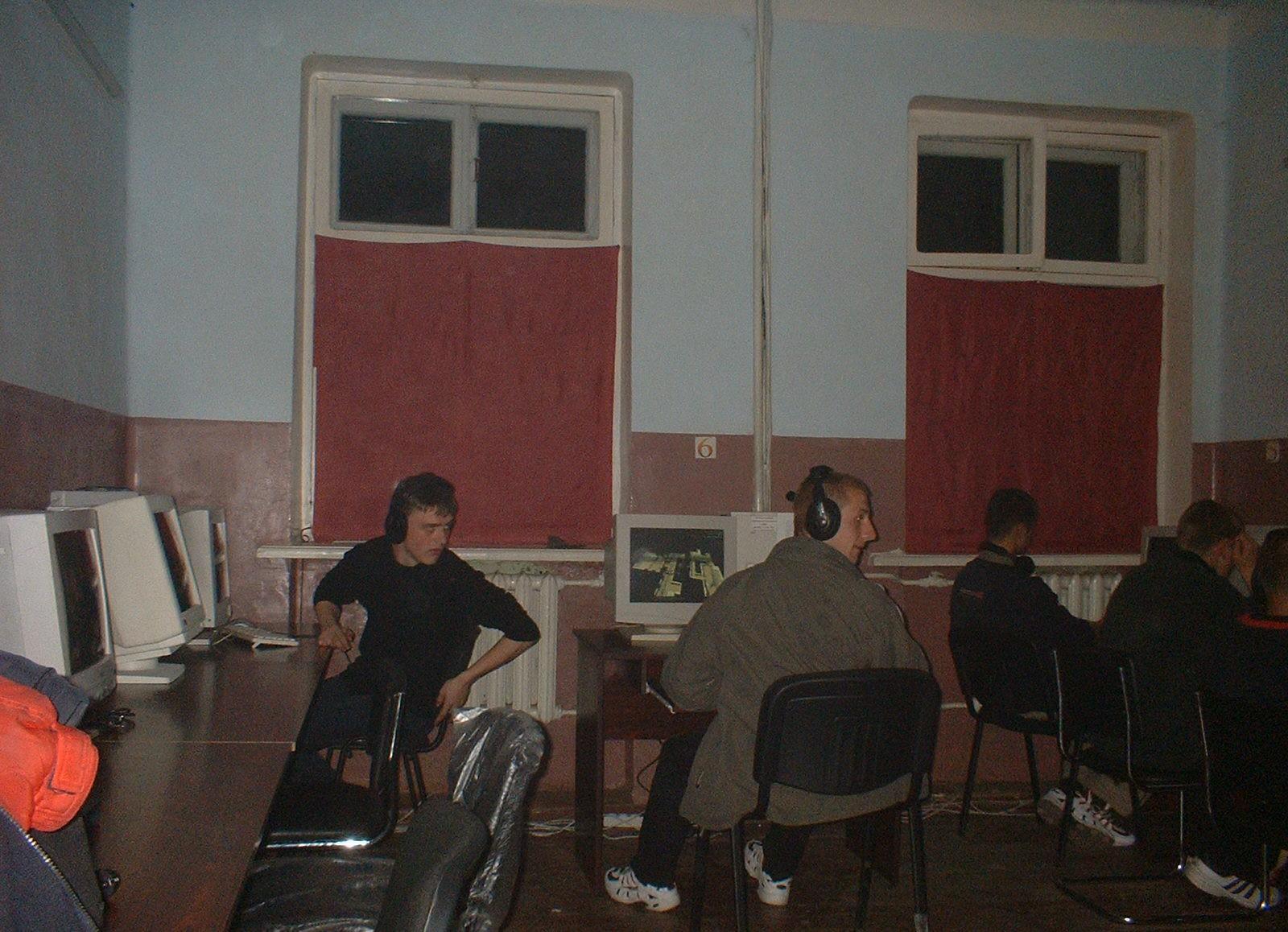 Клубы в 2000 х москва клуб б 2 афиша москва