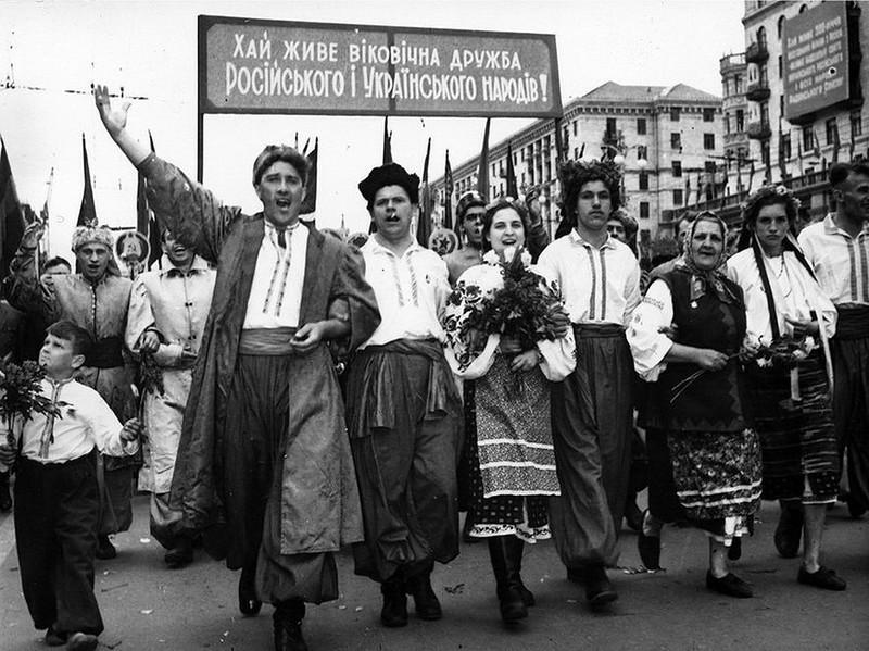 Первомайская демонстрация в Киеве. 1954 год: интересные, история, снимки