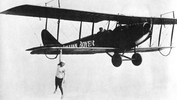 """Lillian Boyer по прозвищу """"wing walker"""". Американская воздушная трюкачка 30-х интересно, история, фото"""