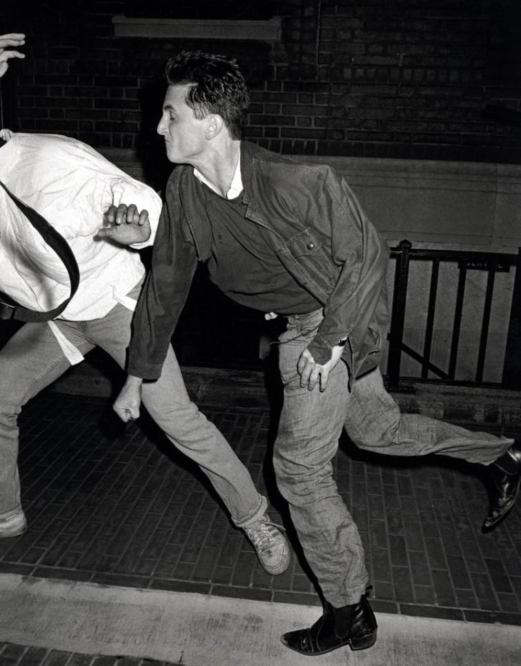 Шон Пенн избивает папарацци, Нью-Йорк, 1986 г. интересно, история, фото