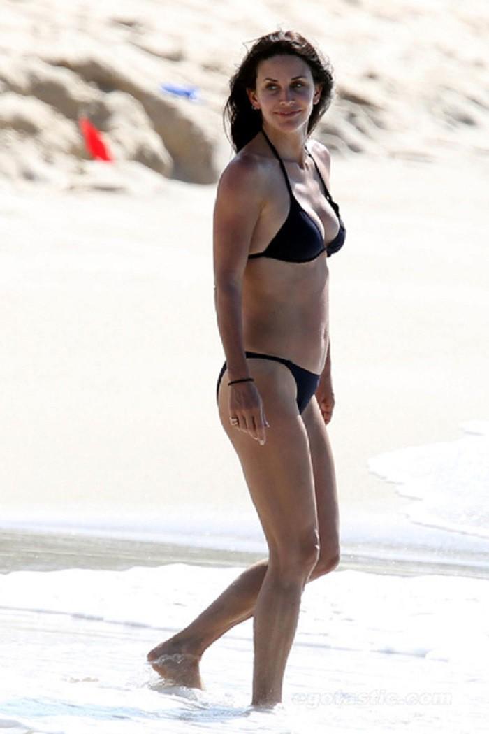 Кортни Кокс купальник, пляж, фигура