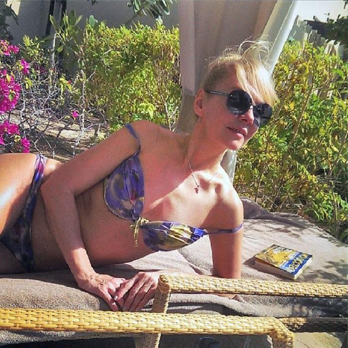 Валерия, она же Алла Перфилова купальник, пляж, фигура