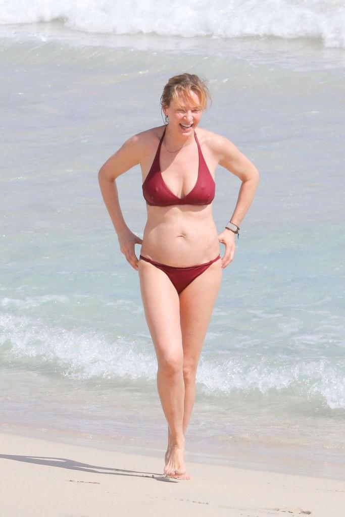 Ума Турман купальник, пляж, фигура
