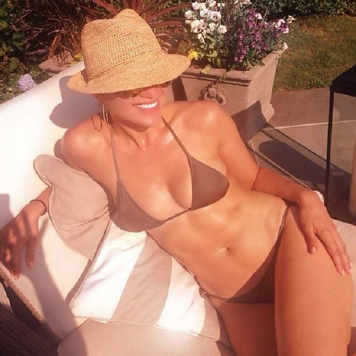 Дженнифер Лопес купальник, пляж, фигура