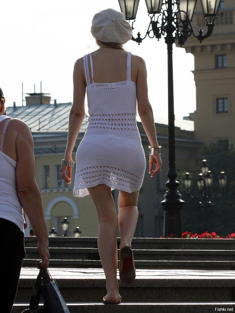 эту сексуальную подглядывания на улицах за женщинами в прозрачном эти