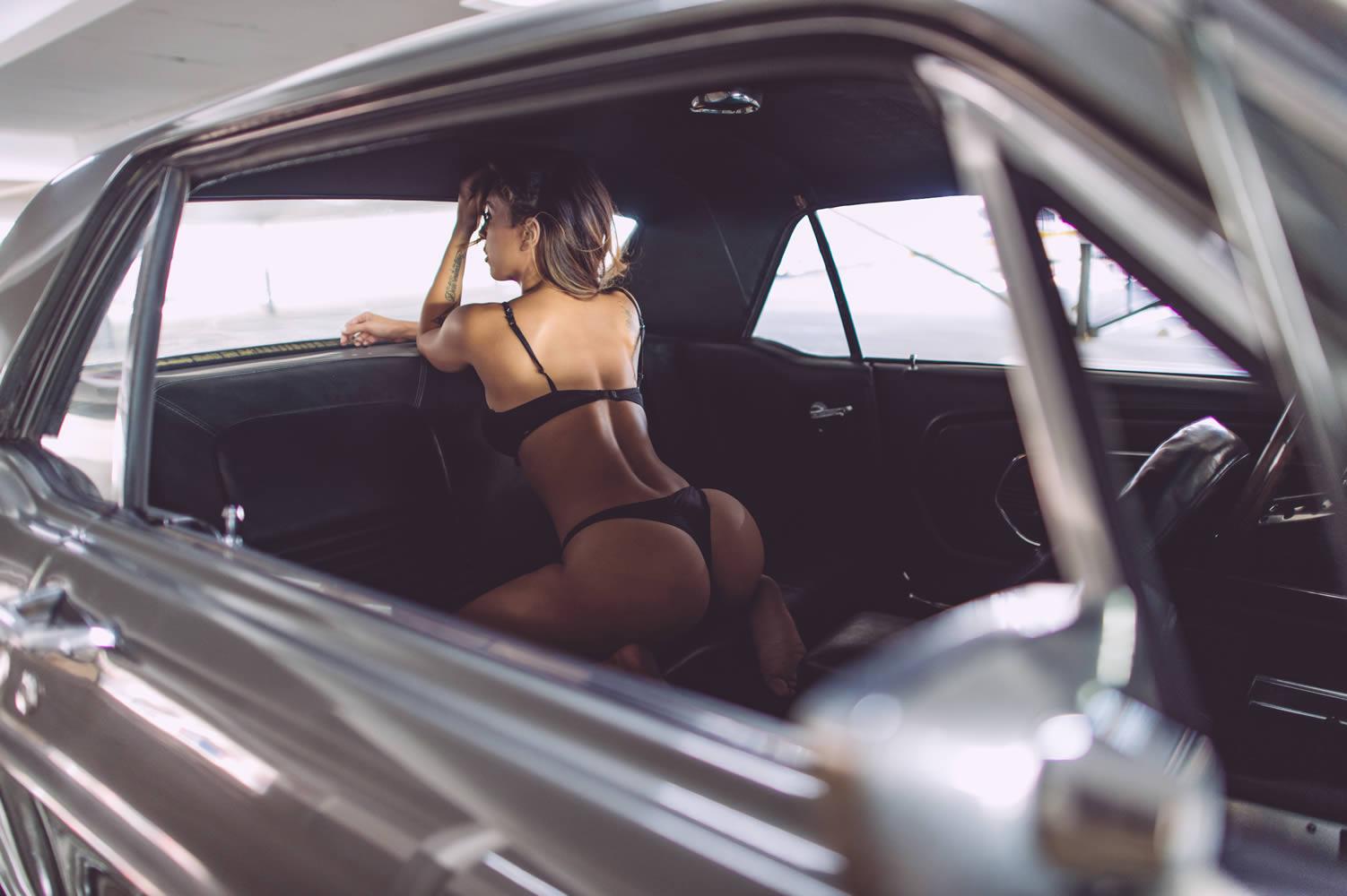 Фото секса в машинах, Секс в машине со шлюхой (26 фото) 12 фотография