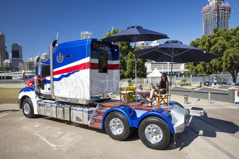 Самые впечатляющие машины из мира дальнобойщиков грузовик, тягач, фура