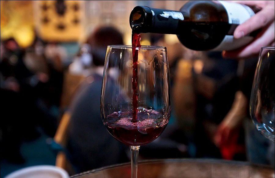 Вино из черноплодной рябины в домашних условиях: Простой