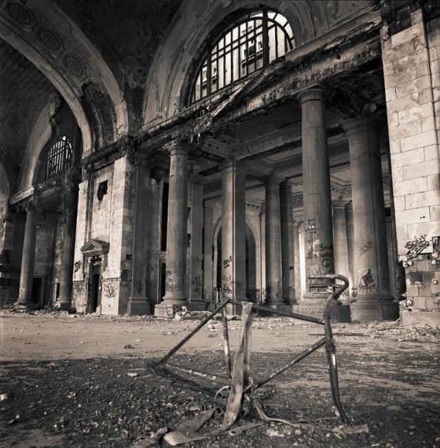 11.  Michigan Central Station, вокзал, железная дорога, заброшенные места