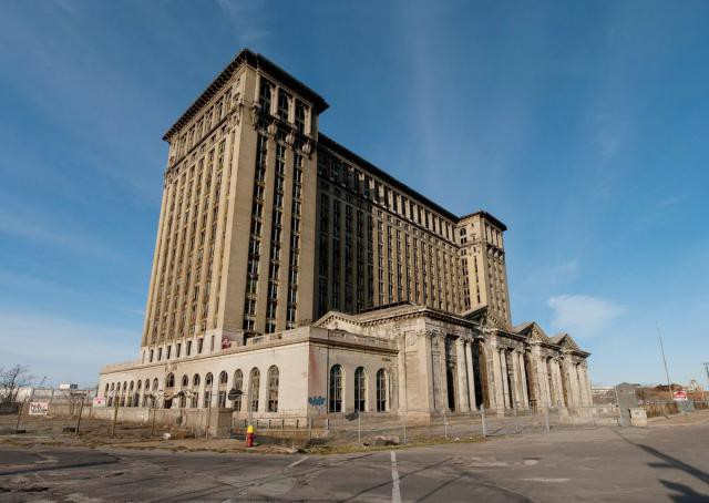 15.  Michigan Central Station, вокзал, железная дорога, заброшенные места