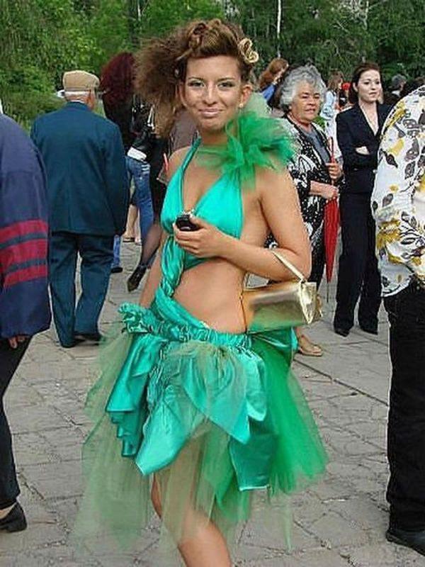 Я просто подрабатываю лесной феей на полставки... выпускной, платье
