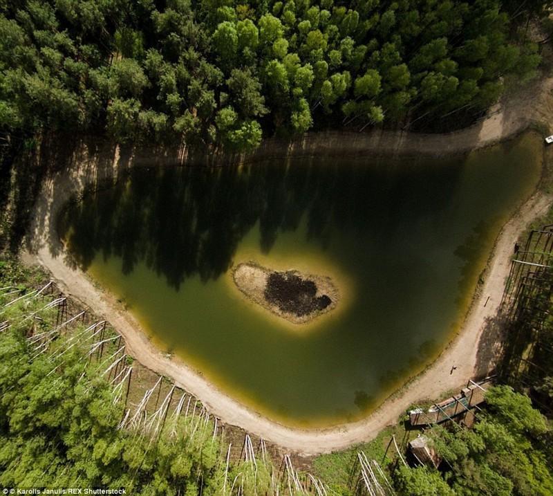 Загадочный остров на озере в Литве беспилотники, достопримечательности, дроны, фото