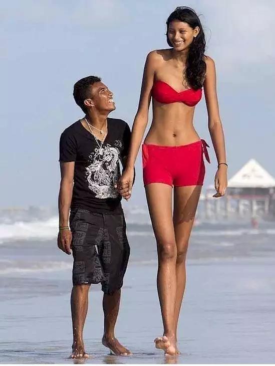 3. Думаете, она для него слишком высокая? А он с вами не согласен любовь, парочки, фрики