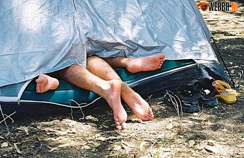 Секс в палатке туристов