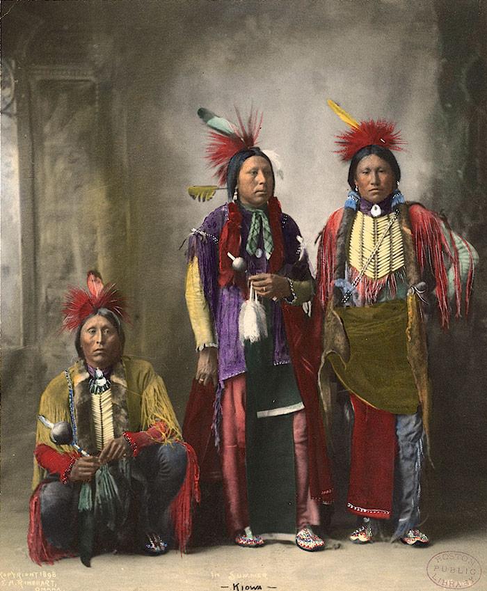 """""""Летом"""". Киова. 1898 г., фотограф Ф. A. Райнхарт архивные снимки, индейцы, раскрашенные, фотографии в цвете"""