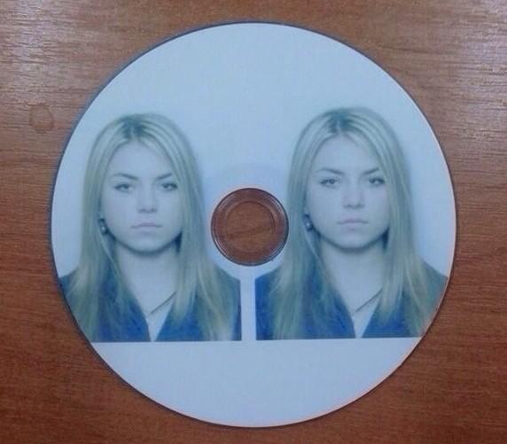 Когда попросил принести 2 фотографии на диске  женская логика, женщины, логика, прикол, юмор