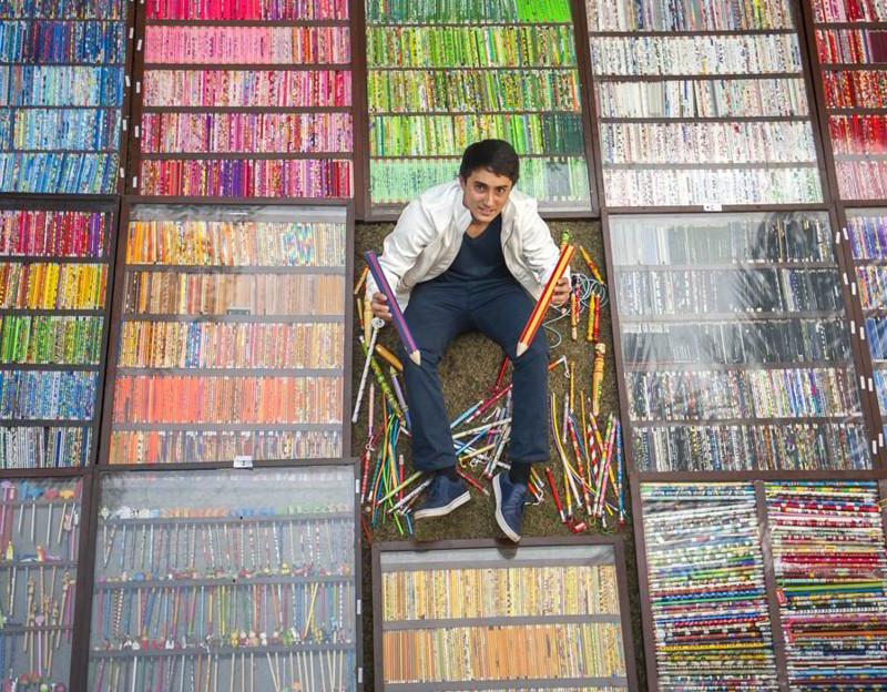 Тысячи разноцветных карандашей. коллекции, прикол, странные коллекции, юмор