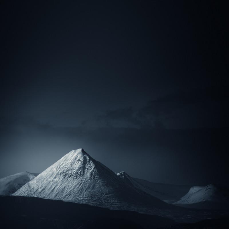 Бёйла — гора на западе Исландии, рядом с Окружной дорогой. горы, пейзаж, фотография
